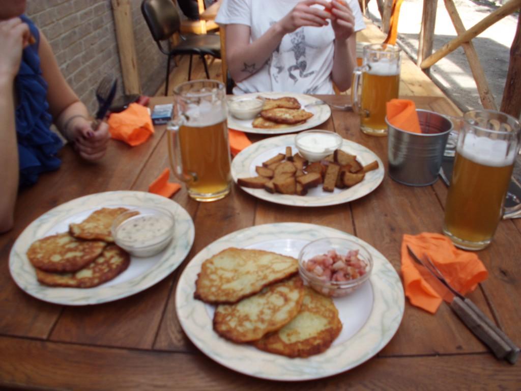 bulvinių blynų with mushroom sausze/grease