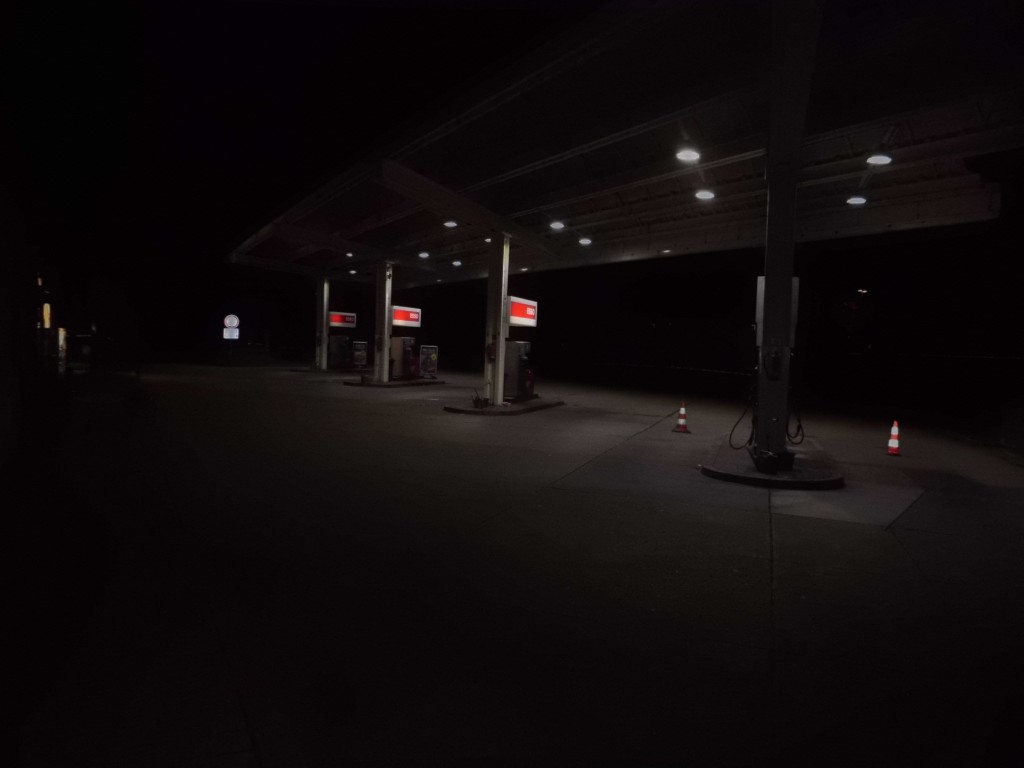 Deserted Gas station trying to Hitch-hike at night.